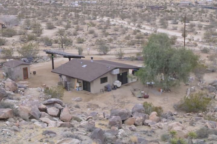 Private 2.5 acre retreat