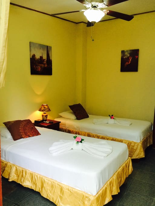 Hotel Old House Cuarto Para Dos Bed Breakfasts For Rent In Alajuela Costa Rica Alajuela