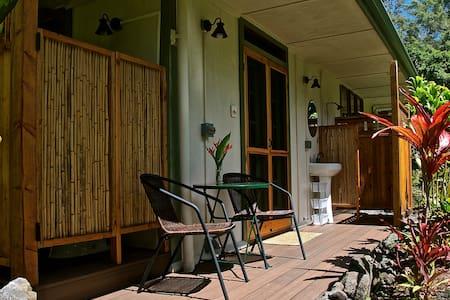 AlohaHola Guesthouse 2 - Ház