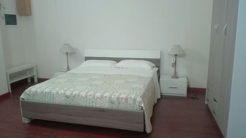 Camera da letto stanza 1