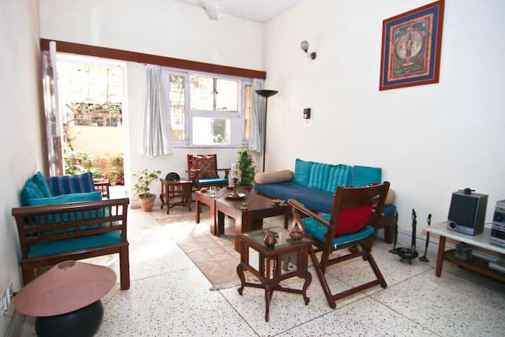 Simple, Clean Room - Quiet, Green South Delhi area