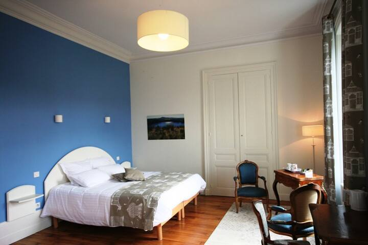 La suite Les Combrailles - Combronde - Bed & Breakfast