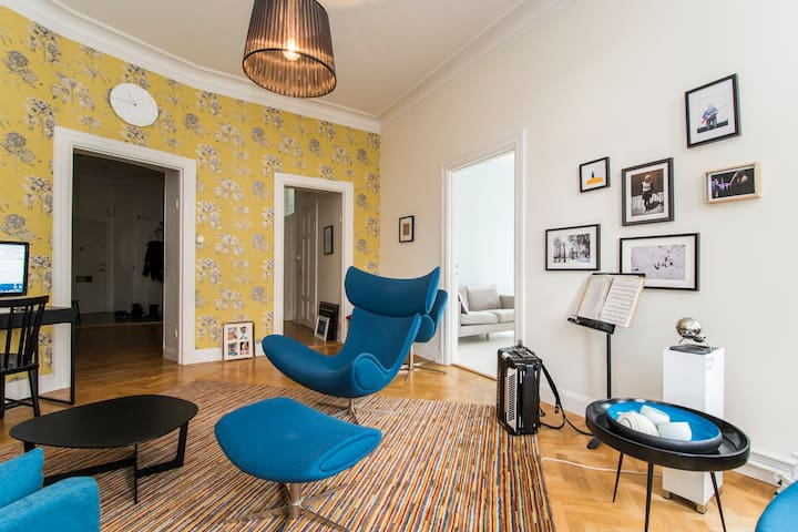 Huge and Beautiful 3BR, Center of Stockholm