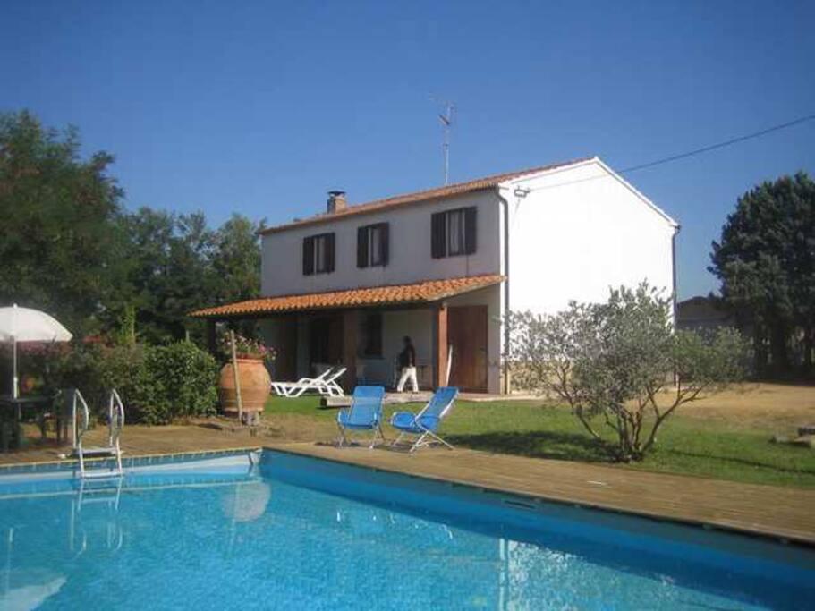 La piscina privata della proprietà
