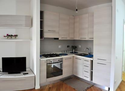 Monolocale Generosa - Roma - Apartamento