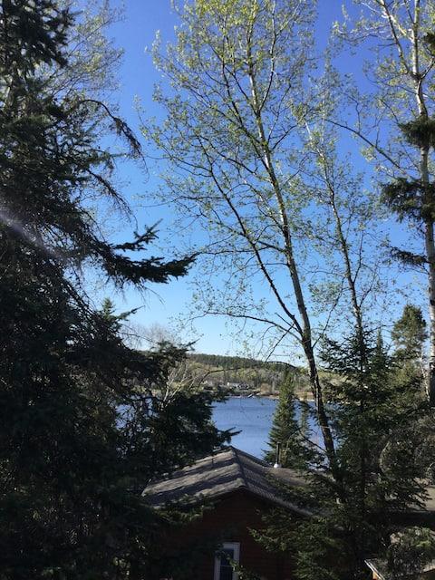 Hiljainen majoitus järvelle