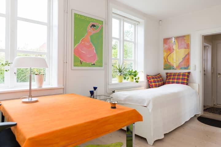 Cozy room with garden