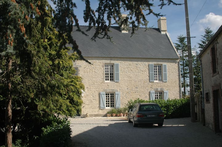 Farm between Caen and Cherbourg  - Osmanville - Bed & Breakfast