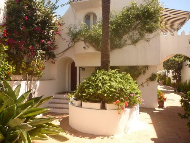 Apartment on beachfront complex - Marbella - Villa