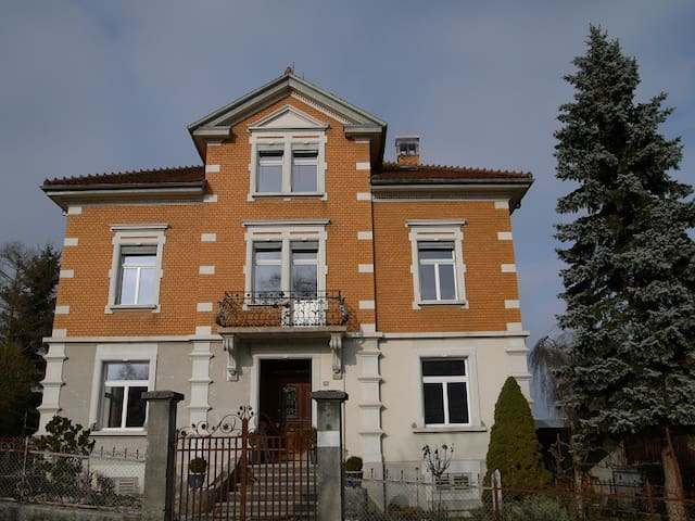 Jugendstilvilla auf dem Land - Buhwil - วิลล่า