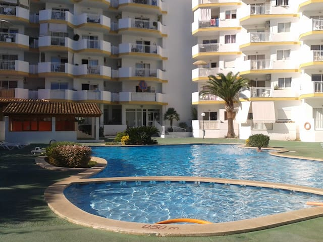 Apartment with pool near the beach  - Sa Coma - Leilighet