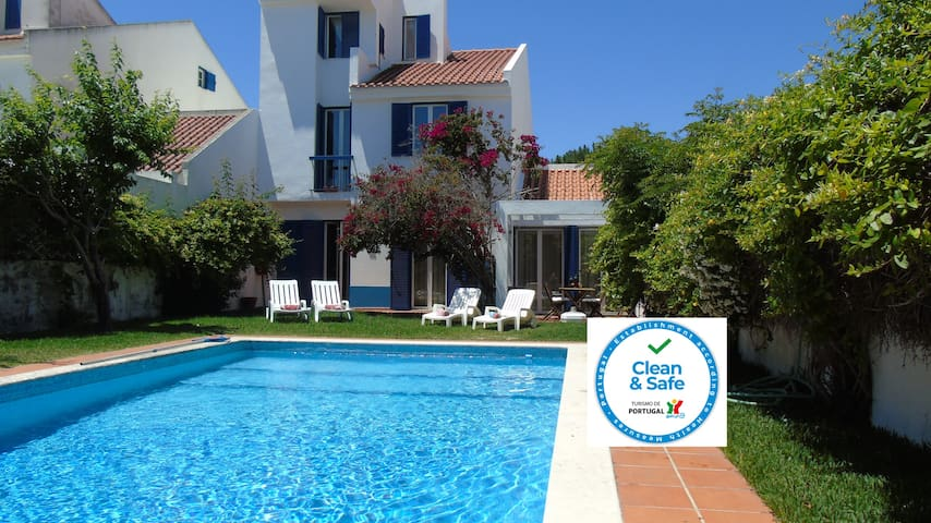 A lovely Portuguese Villa with pool sleeps 9