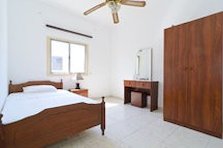 A low cost single room  - Larnaca - House