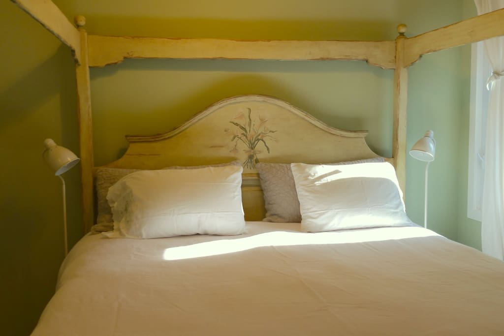 Amazing King handmade bed with comfy mattress