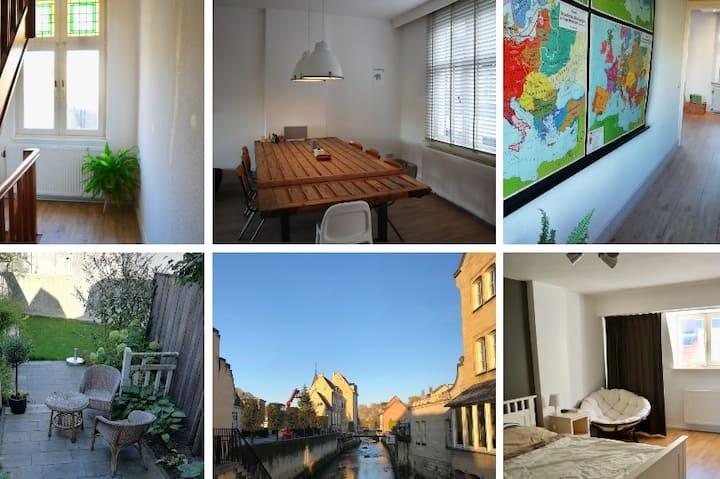 Ruime luxe woning met tuin, hartje Valkenburg