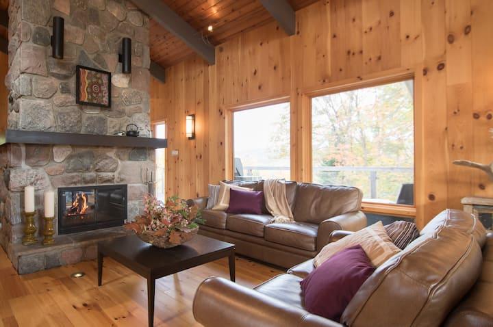 Luxurious, high-vibration, modern retreat