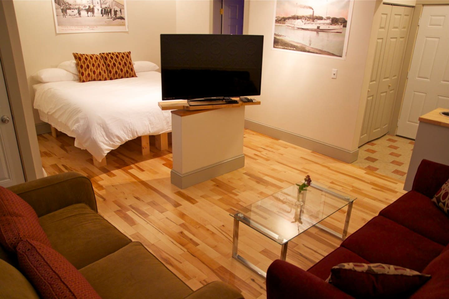 Suite 4 living and sleeping spaces with swivel TV.