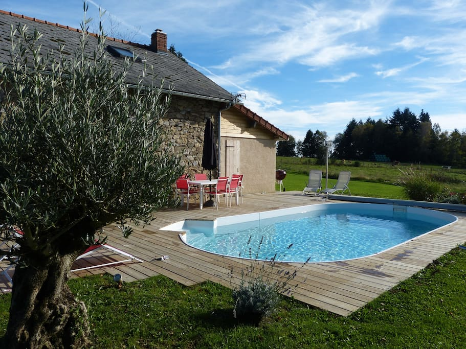 la piscine et la terrasse bois