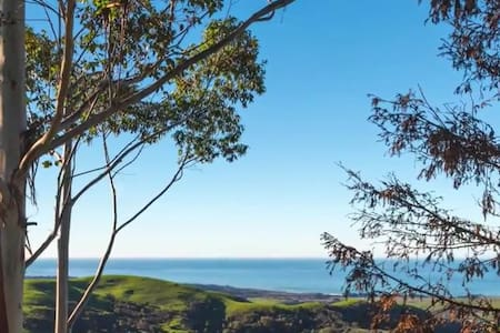 Hill Top Estate With Views Of The Central Coast! - Cambria