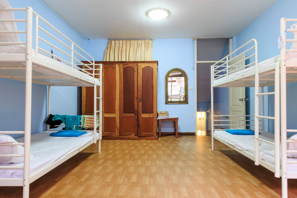 honey guest house  domitory singe bed room  houses for