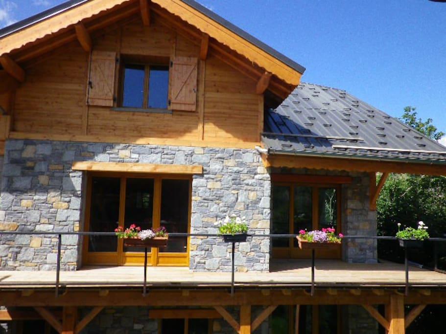 chalet avec terrasse plein sud abritée