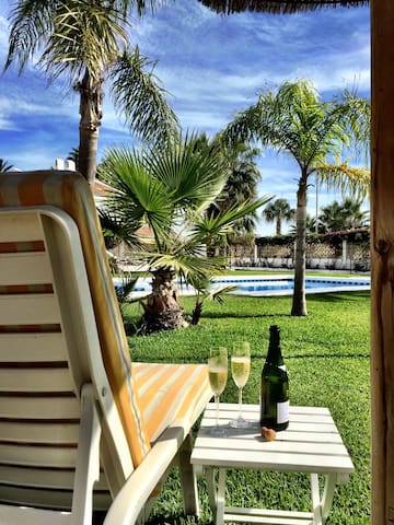 Sunbathe while you treat yourself to some Cava