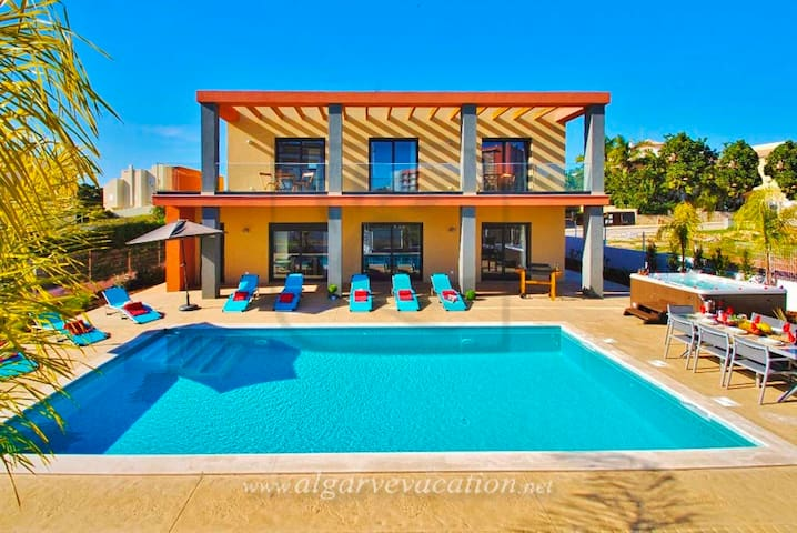 BRAND NEW 4 BED VILLA, LARGE HEATED POOL - Armação de Pêra - Hus