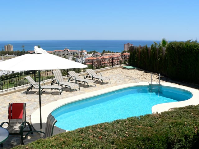 Gorgeous Villa with Ocean view - Puerto de la Duquesa - Villa