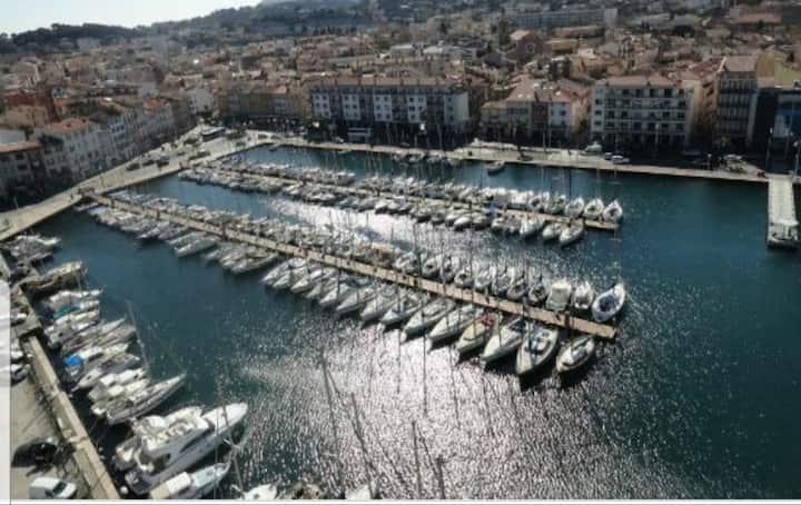 Appart sur l'eau, insolite voilier La Seyne/Mer