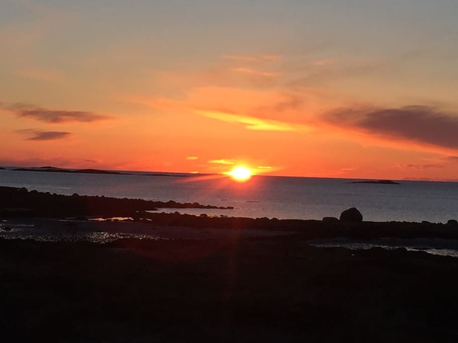 Solnedgang Finnøya