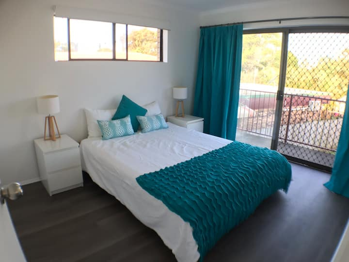 Stay In The Heart Of Mooloolaba! 2 bd Retreat - AC