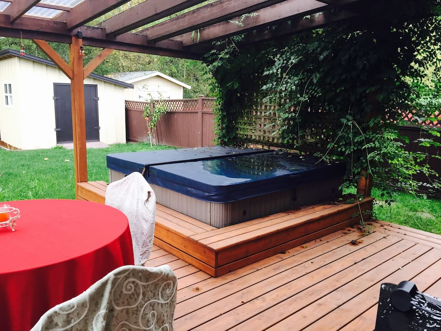Enjoy hot tub, fire pit and BBQ.