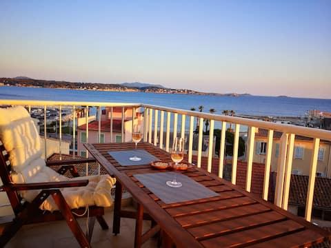App vue port et mer, grand balcon, calme, parking