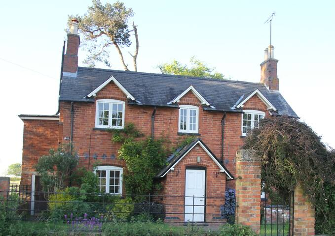 Beautiful cottage in rural Leics. - Market harborough