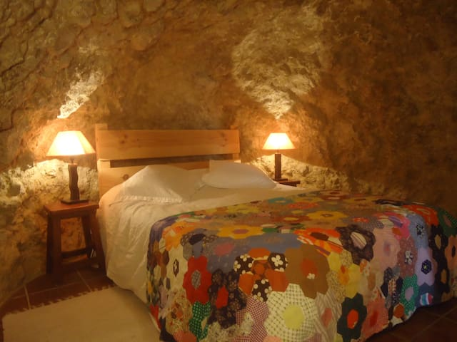 Cave Apartment in Alicante Old Town