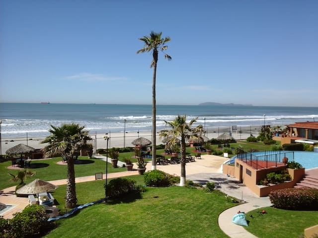 24/7 Security Ocean Front Apartment - Rosarito