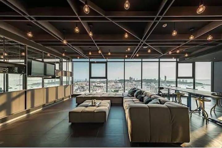 芭提雅市中心base公寓,无边泳池,无敌海景,150米到中央商场,250米到海边,sea view