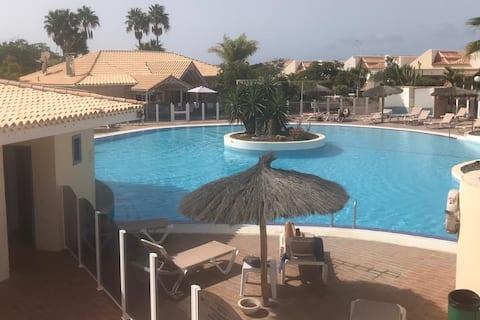 Habitación privada en el campo de golf, Tenerife Sur.