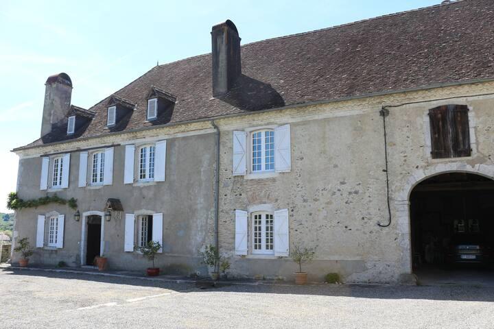 Maison de charme au coeur du Béarn