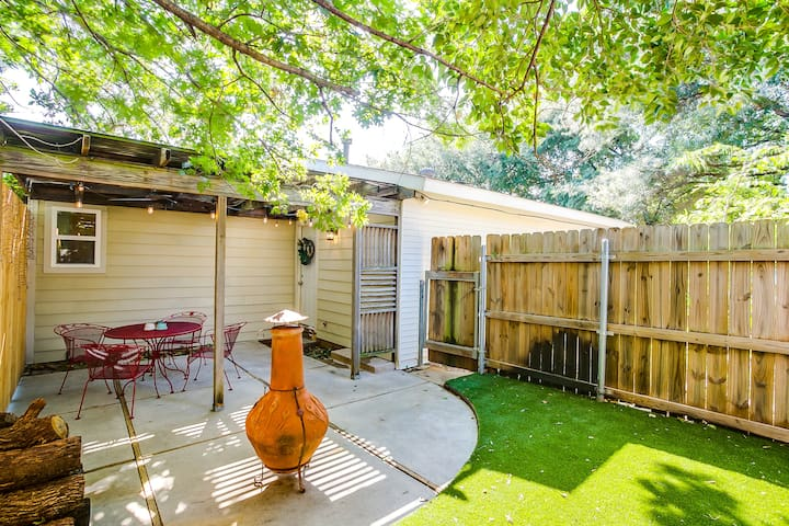 Trendy TCU GuestHouse w Patio in the Heart of FWTX