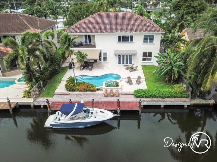 Gorgeous 5 Bedroom Home w/ Pool and  Canal Front