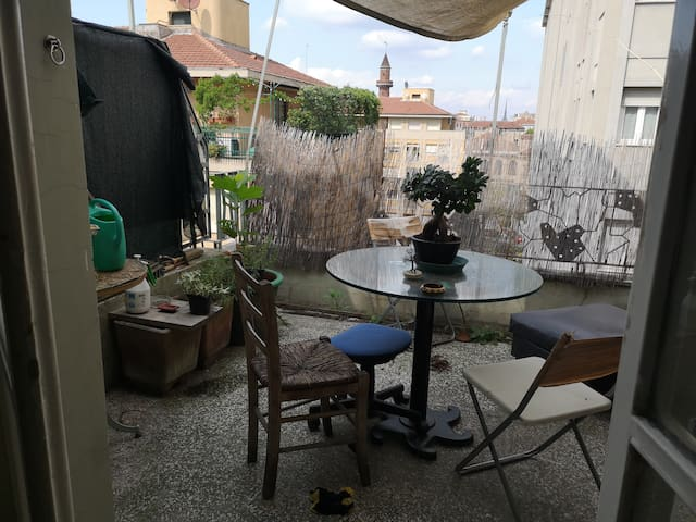 Double room in a friendly, sunny flat