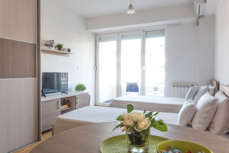 Nice & Quiet apartment in the center+ fast WIFI