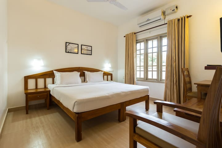 Bed and Breakfast Budget Hotel at Fort Kochi