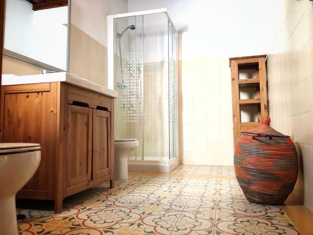 Baño del apartamento (muy espacioso)