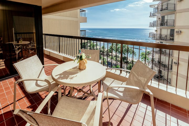 *Professionally Sanitized*Across From Waikiki Beach Free Parking+Full Kitchen - Waikiki Beach Tower Ocean 2 BDR on the 12th Floor