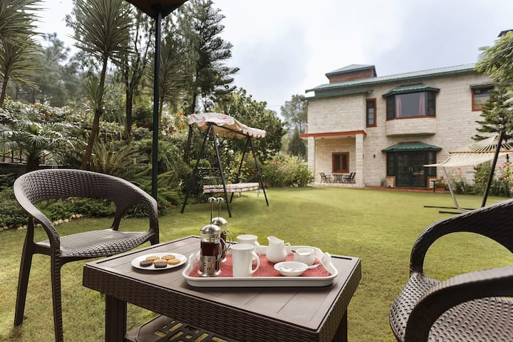 ☆☆☆☆☆ 4 BR Villa - Private Cook, Staff, Garden