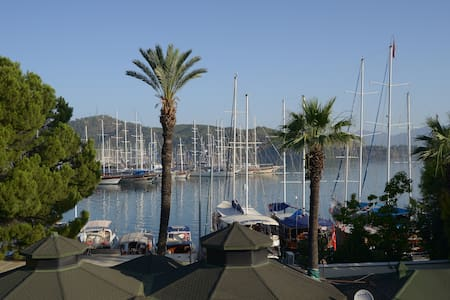 Kordon Apart 2 by the water front in Fethiye