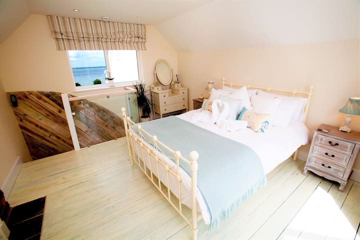 Waterfront Retreat, Yarmouth, IOW - Yarmouth - Tatil evi