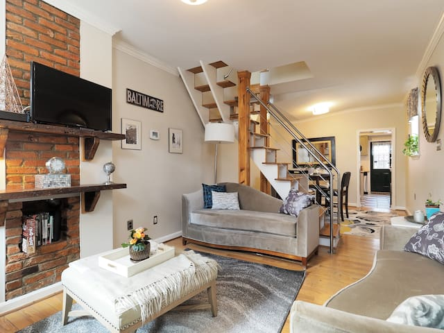 Elegant Canton Rowhome by the Harbor w/Roof Deck-4 - Baltimore - Haus